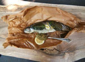 Fisch im Pergamentpapier