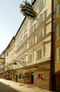 Der Goldene Hirsch in der Getreidegasse Salzburg