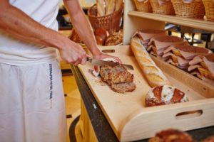 Das Interalpen-Hotel Tyrol besitzt auch eine hauseigene Bäckerei