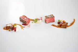 Exquisite Fleischgerichte stehen selbstverständlich auf der Speisekarte des Interalpen-Hotel Tyrol