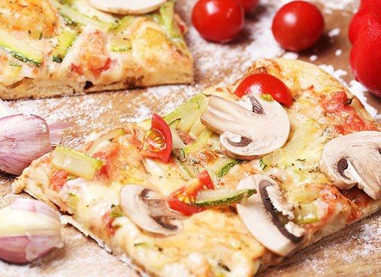 Sommerküche Rezepte : Feine gemüse pizza rezepte für den sommer cooknsoul