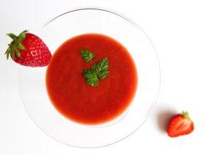 Tomaten Erdbeer Gazpacho