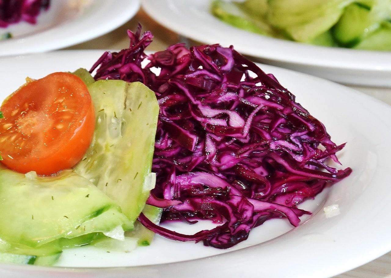 Rotkohlsalat einfaches Rezept