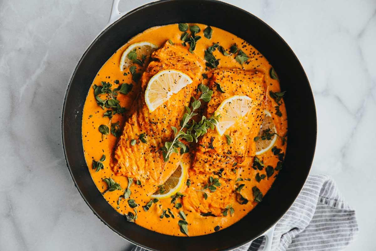 Lachs mit Tomatensauce